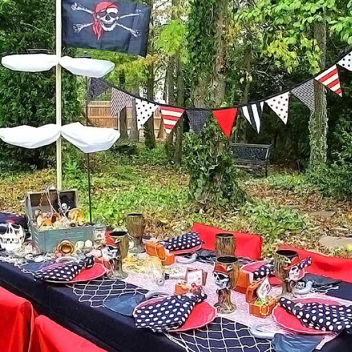 Праздничный стол в пиратском стиле